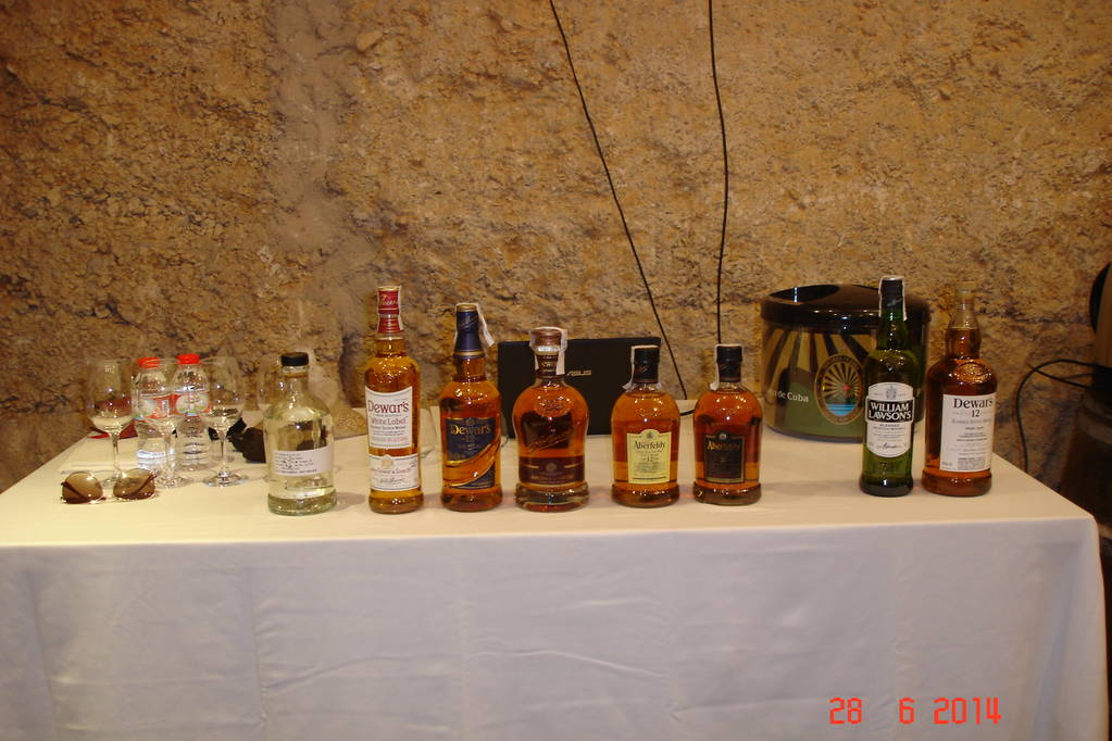 EXPERIENCE THE SEMINAR OF WHISKY TASTING IN THE CLASSROOM