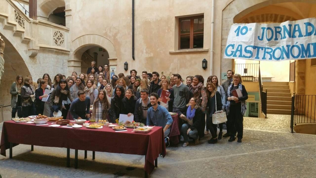 Más de 25 platos navideños elaborados por estudiantes participan en la X Jornada Gastronómica