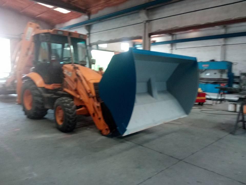 Cullera alt volteig de 3 metres cubics.