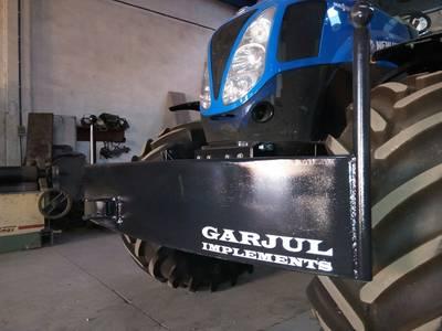 Para golpes con contrapeso para tractor. Y caja de herramientas integrada