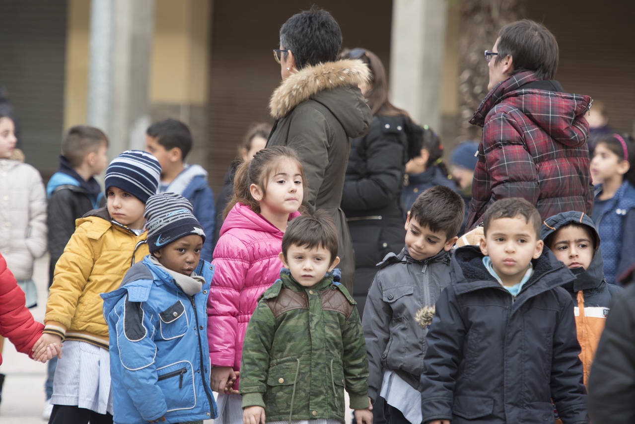 """""""L'Escola Torre Queralt celebra el DENIP a la plaça del Secà"""""""