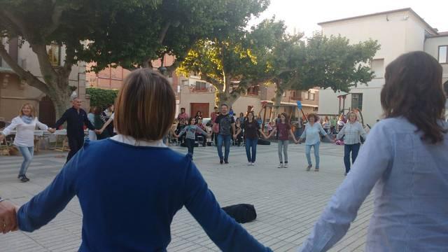 Ballada de sardanes a la Plaça Catalunya