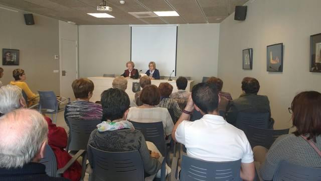 Conferència sobre les necessitats socials del nostre entorn de la senyora Carme Borbonés i Brescó