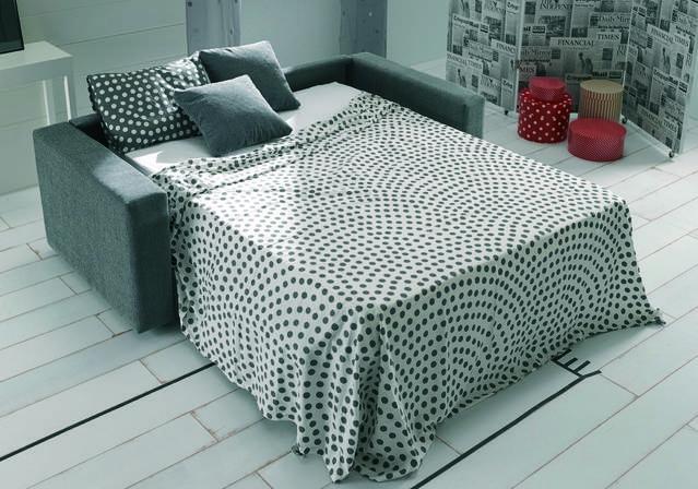 Sofà llit (140x190) d'1,98m amb sistema d'obertura italiana. Preu des de: 895€