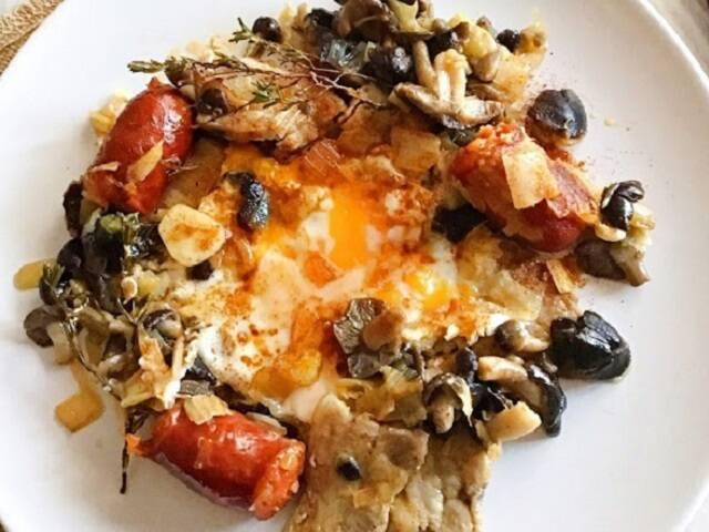 Bolets amb cansalada i ous