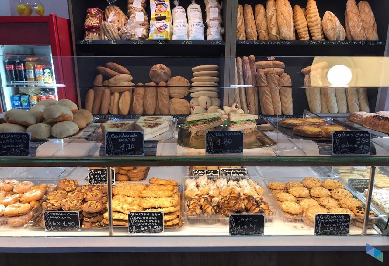 """""""Enjoy the best products! La Vega Bakery"""
