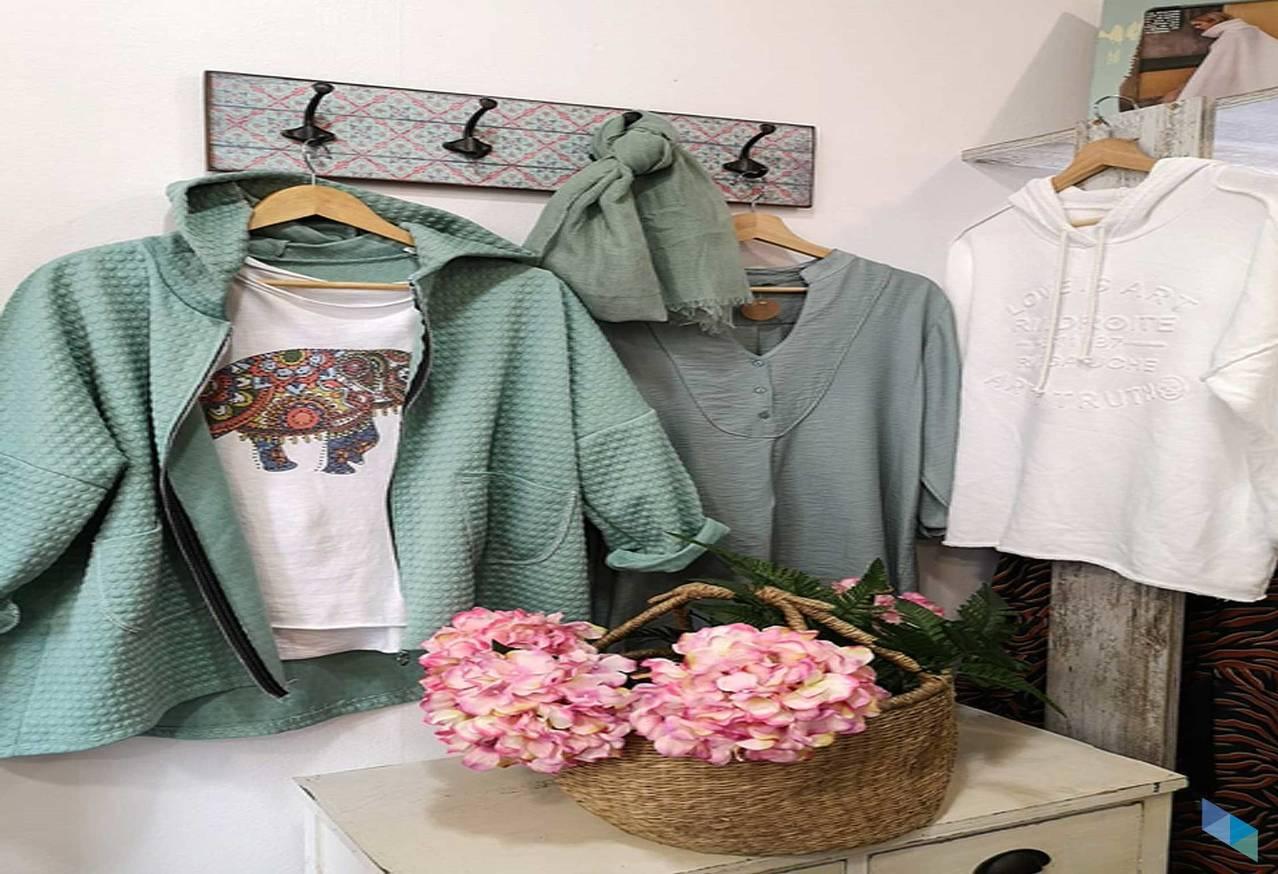 """""""Jackets, shirts, sweatshirts .."""" Turqueta"""