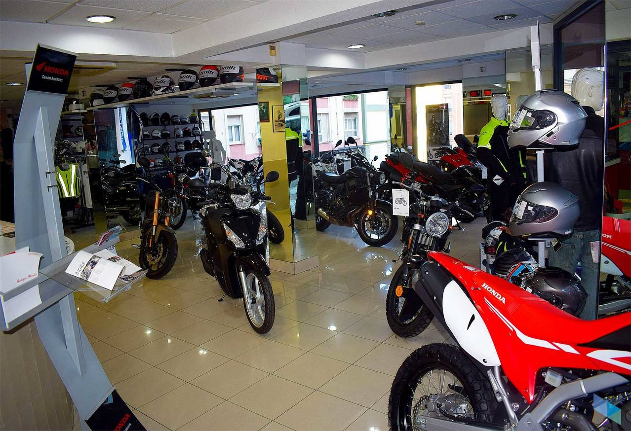 """Your trusted dealer"" Titin Motos"