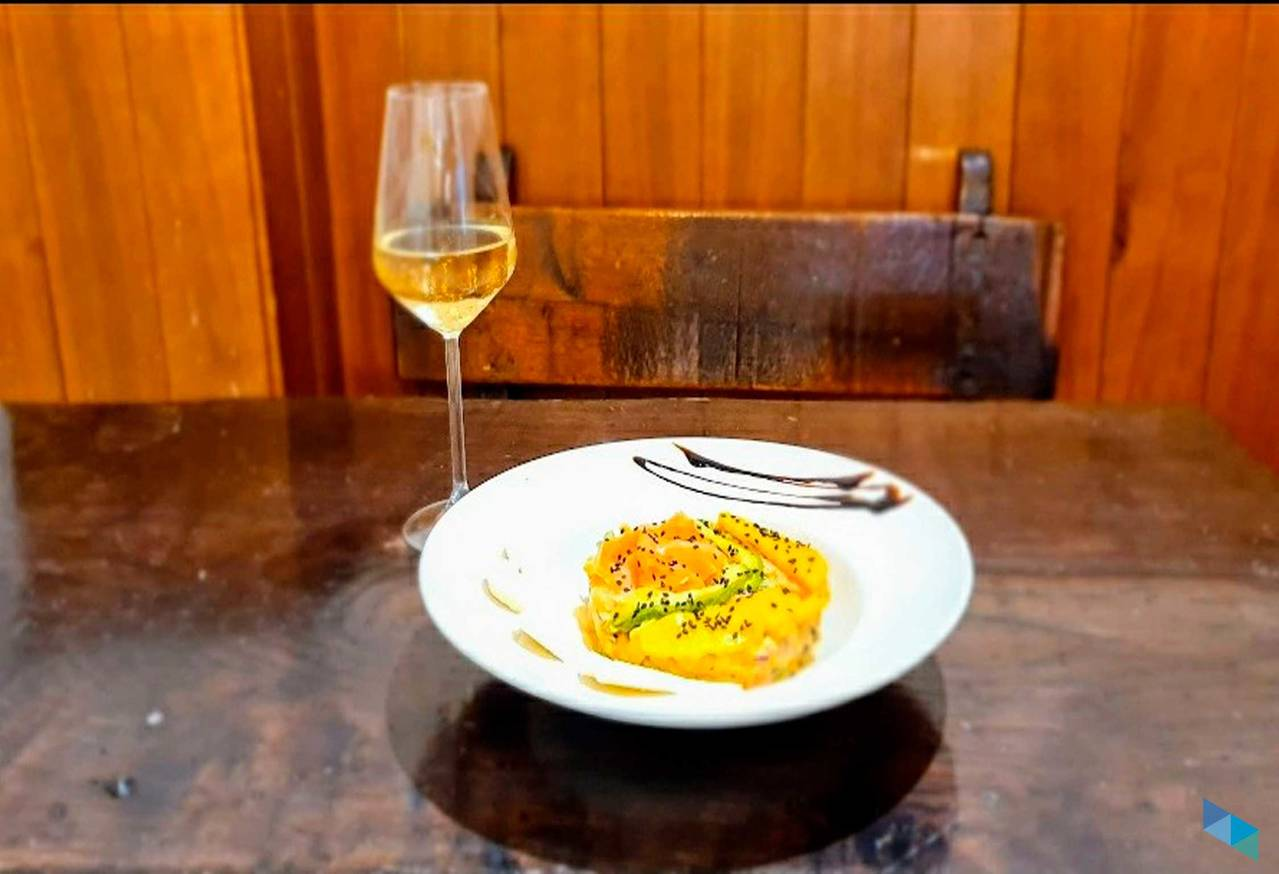 """""""Nuevo tartar de salmón marinado"""" Restaurante El Castellano"""
