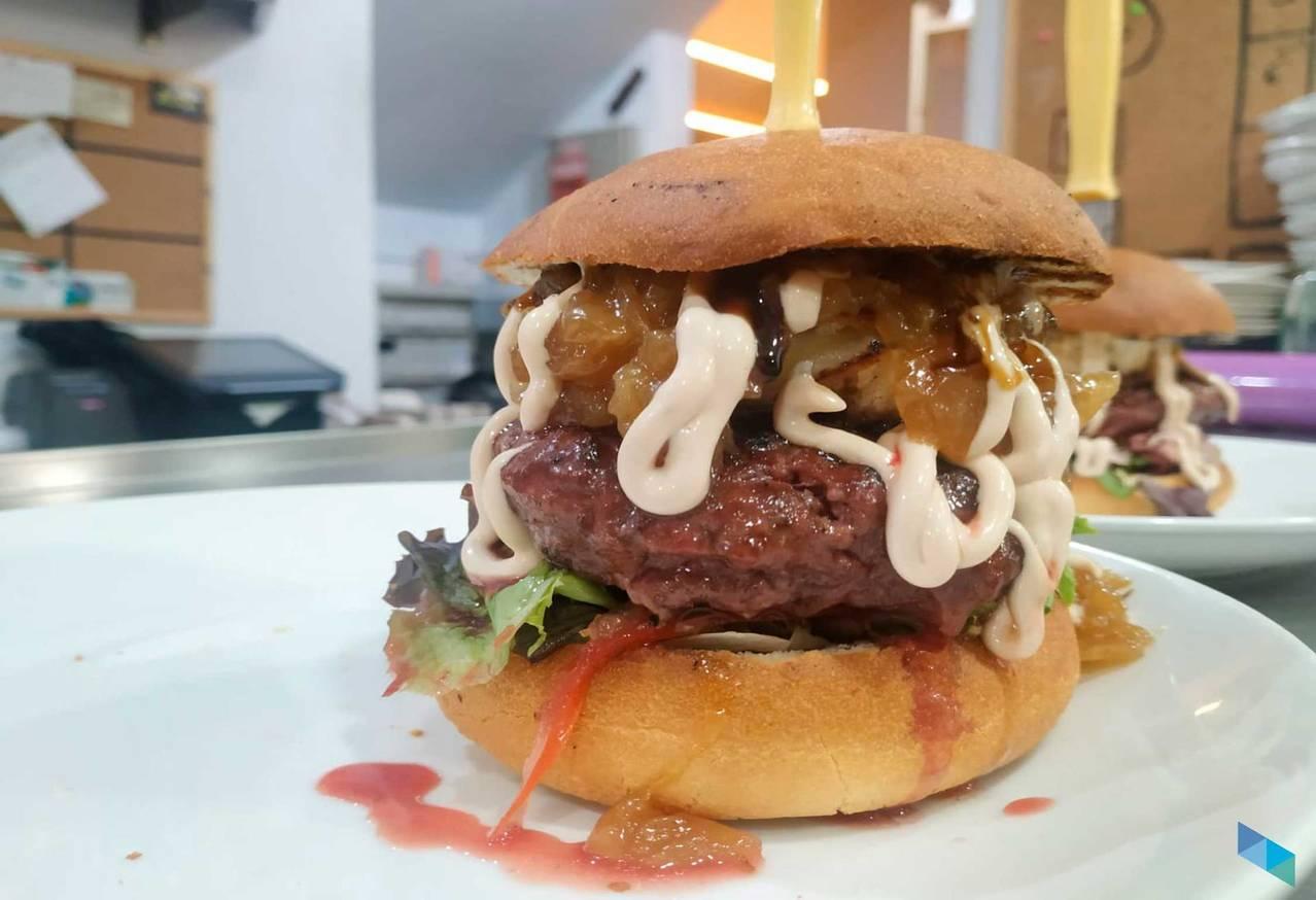 """Las mejores hamburguesas de Tudanca"" Soul Food and Drink"