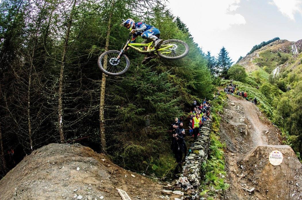 Red Bull Hardline 2015 - Hardcore downhill MTB