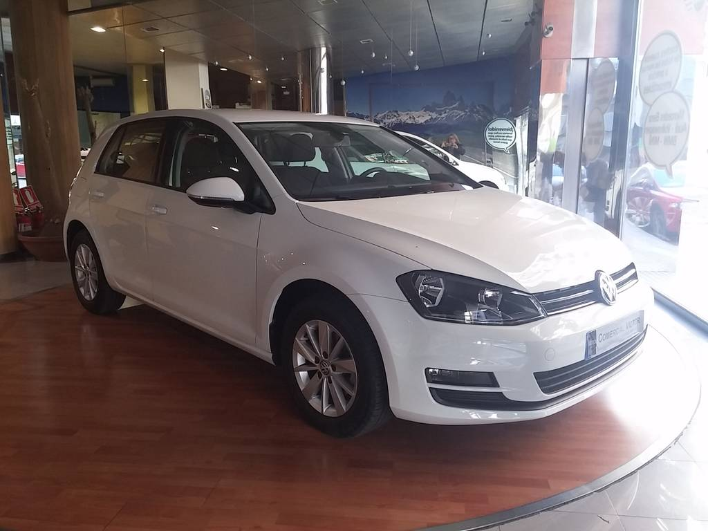 VOLKSWAGEN GOLF 1.6TDI CR Business Navi 105