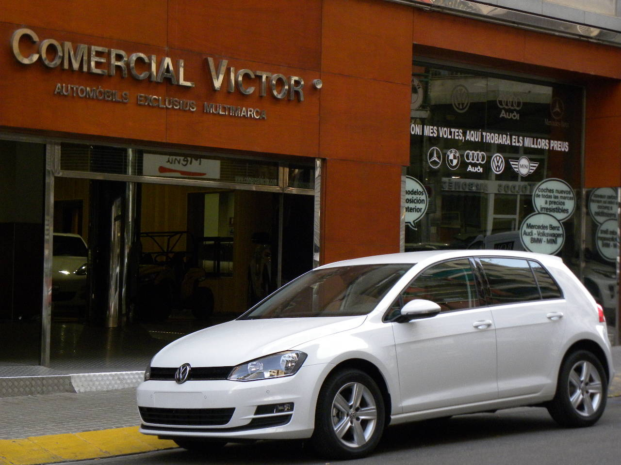 VOLKSWAGEN GOLF 1.6TDI  BMT Advance DSG AUTOMÁTICO 110  IVA DEDUCIBLE