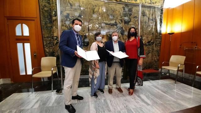 El alcalde firma el convenio de colaboración con la Federación de Vecinos Al-Zahara
