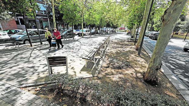 Los vecinos de Ciudad Jardín, de Córdoba, piden que se frene la decadencia del barrio