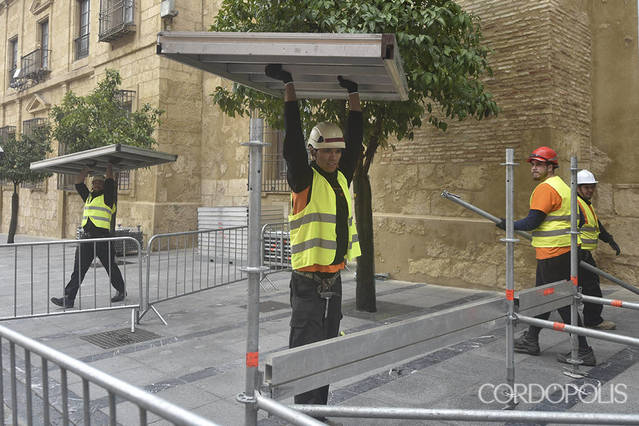 La Comisión de Patrimonio duda sobre cómo se han instalado los palcos en la Mezquita