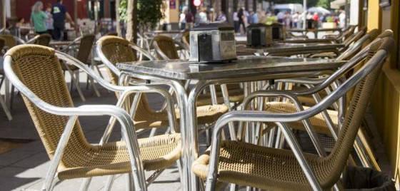 Al-Zahara exige al ayuntamiento que actúe contra veladores ilegales