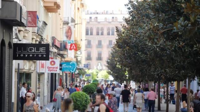 Córdoba es la décima capital por la cola en renta media de los hogares españoles