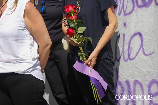 """Dolor y firmeza """"sin ambigüedades"""" contra la violencia machista"""