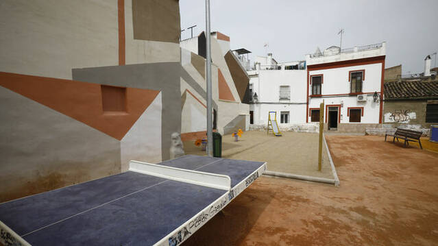 El solar del antiguo Cine Andalucía reabre para los vecinos con varias mejoras