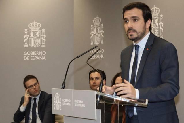 """Garzón prohibirá las campañas agresivas que """"regalan"""" dinero para apostar"""