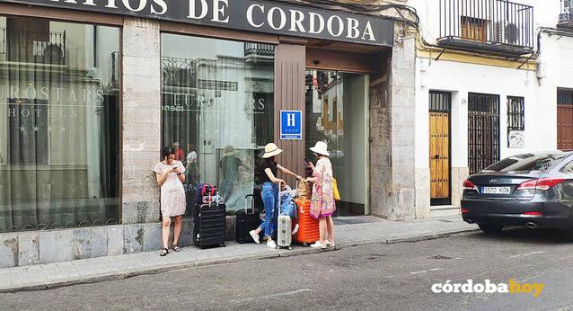 Las viviendas turísticas le pisan los talones a los hoteles en cuanto a plazas
