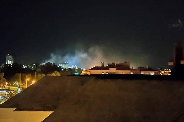 """Podemos y Aire Limpio denuncian la """"permanente"""" polución nocturna de la cementera Cosmos"""