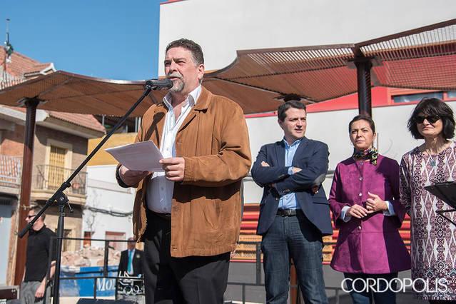 Valdeolleros inaugura la nueva 'plaza de los ovnis'