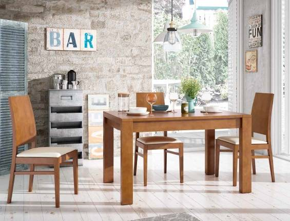 Taula extensible i cadires