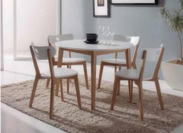 Conjunt taula i cadires