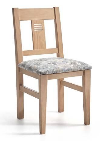 Cadira de fusta de pi