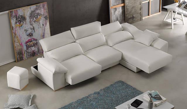 Sofà amb chaise-longue lliscant