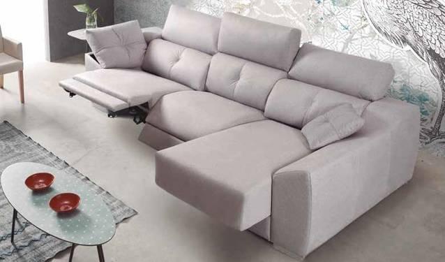Sofà relax amb chaise-longue lliscant
