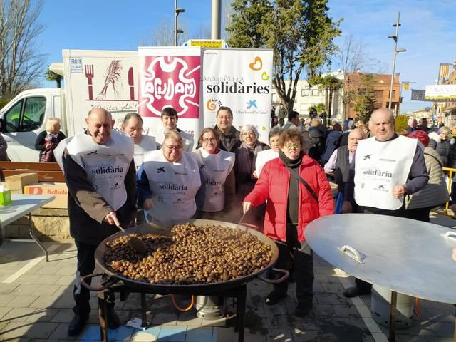 La Caragolada Solidària de l'Aplec i ACUDAM, a la Fira de l'Oli de Borges, reparteix 750 plançons d'oliveres a les Garrigues