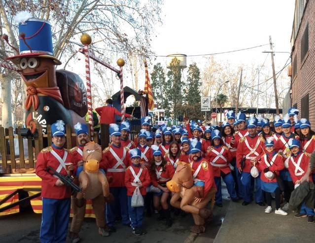 Los Soldaditos de Plomo de la Fecoll, la comparsa más numerosa de la Rua de Carnaval de Lleida
