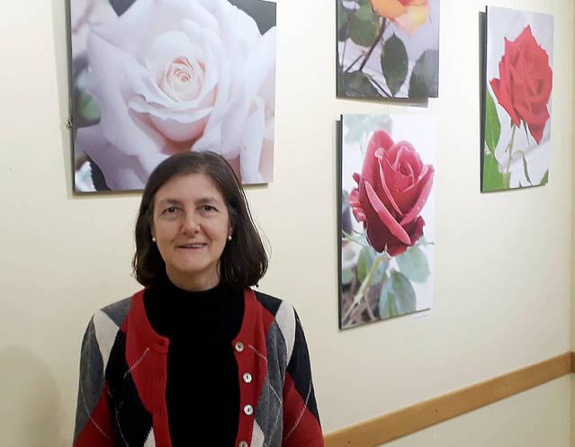 Las flores de Roser Virgili devuelven la primavera a la sala de la Fecoll que ya tiene servicio de bar restaurante