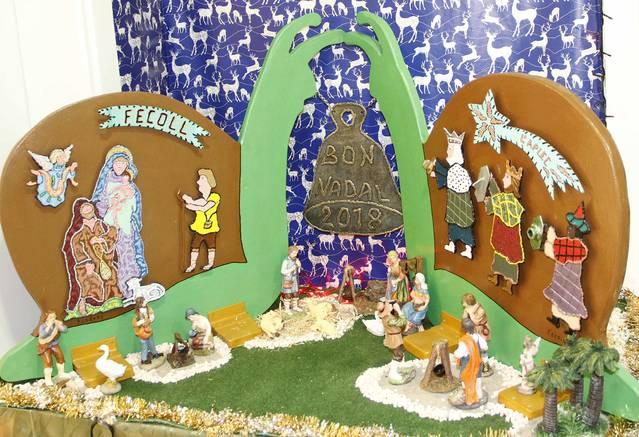 Un original pesebre trae la Navidad a la Fecoll