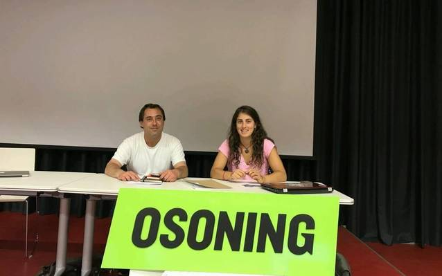 Acòrd de collaboracion d'OcSTEM Solutions damb era esquiaira gironina Núria Pau