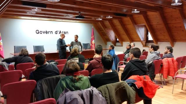 Alumnes deth Mastèr oficiau en Gestion d'Airaus de Montanha visiten eth Conselh Generau d'Aran