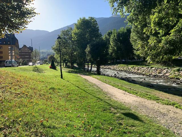 Comencen es òbres d'engodronament deth passeig fluviau der arriu Garona en Vielha