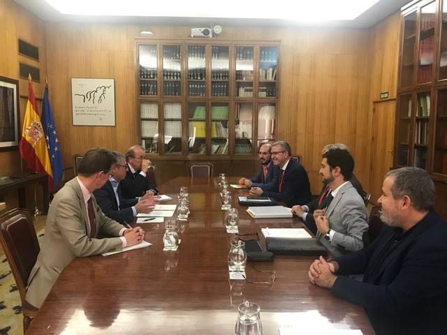 Compromís entà agilizar era retirada deth miei des ossi conflictius dempús dera amassada damb era Secretaria d'Estat de Miei Ambient en Madrid