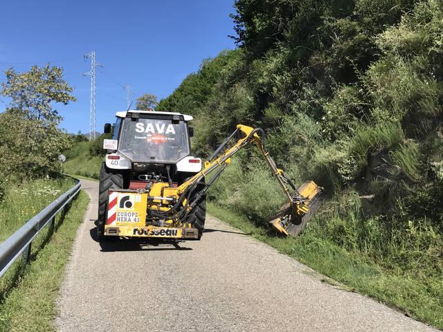 Eth Conselh Generau d'Aran realize trabalhs de neteja en camins forestaus