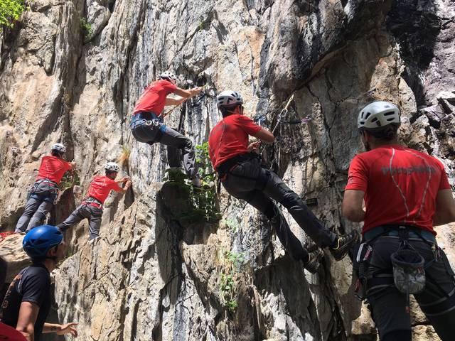 Formacion conjunta deth GRM des Pompièrs d'Aran e era Associacion de Guides de Nauta Montanha