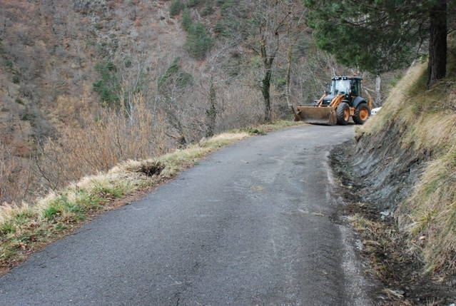 Nombroses partides deth Conselh entara milhora de carretères e pistes forestaus