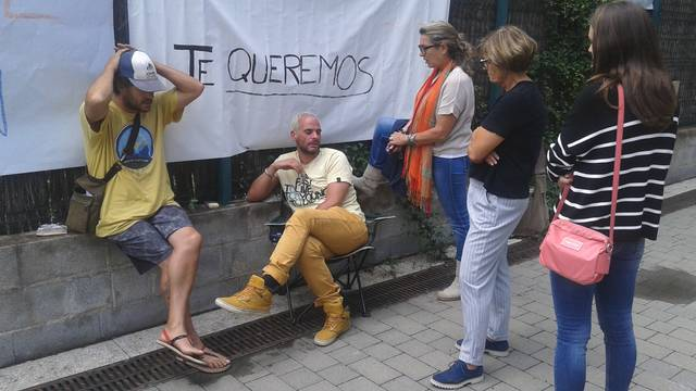 Pablo Santos contunhe era sua luta deuant des Jutjats de Vielha