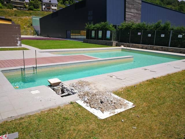 S'endarrerís era dubertura des piscines municipaus de Vielha per òbres