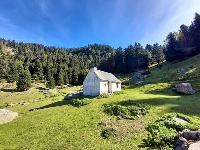 Trabalhs de mantenement de diuèrses cabanes en Les