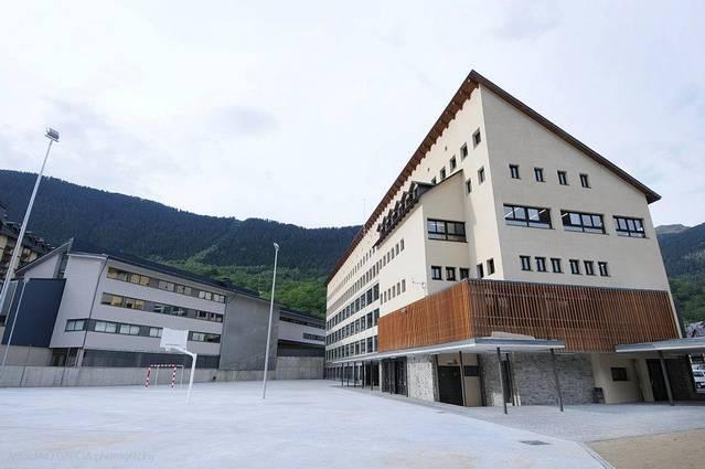 Unitat d'Aran denoncie naues retalhades de professorat enes centres educatius aranesi
