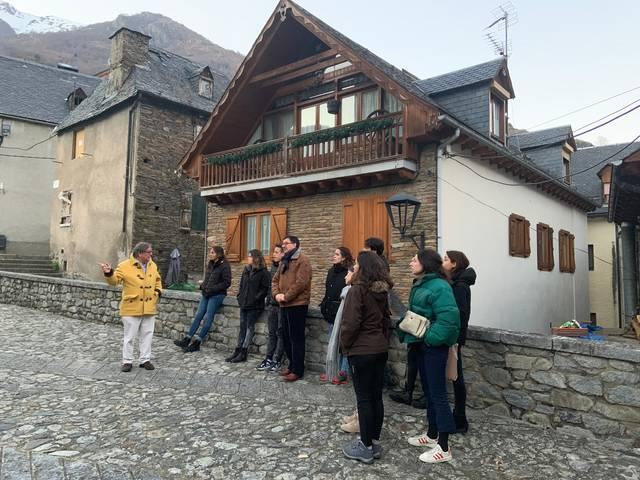 Visita deth doctor en arquitectura Josep Lluís i Ginovart ara Val d'Aran