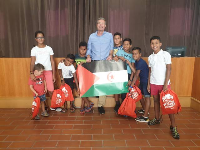 18 infants saharauis passen l'estiu a la segarra, l'urgell, la noguera i el solsonès acollits en famílies